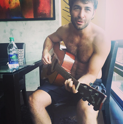 ::::Desktop:james wolk shirtless.png